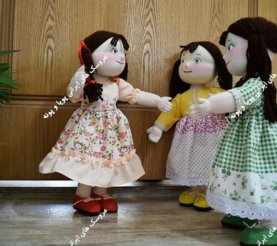 a-production-line-of-12-persons-for-making-live-dolls