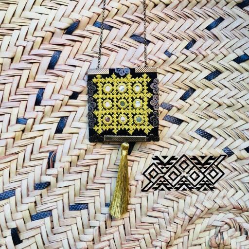 گردنبندآینه دوزی دست ساز- شغل خانگی-مجله باسلام