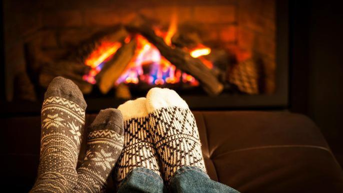 باسلام   Basalam - زمستان جوراب پشمی و شومینه
