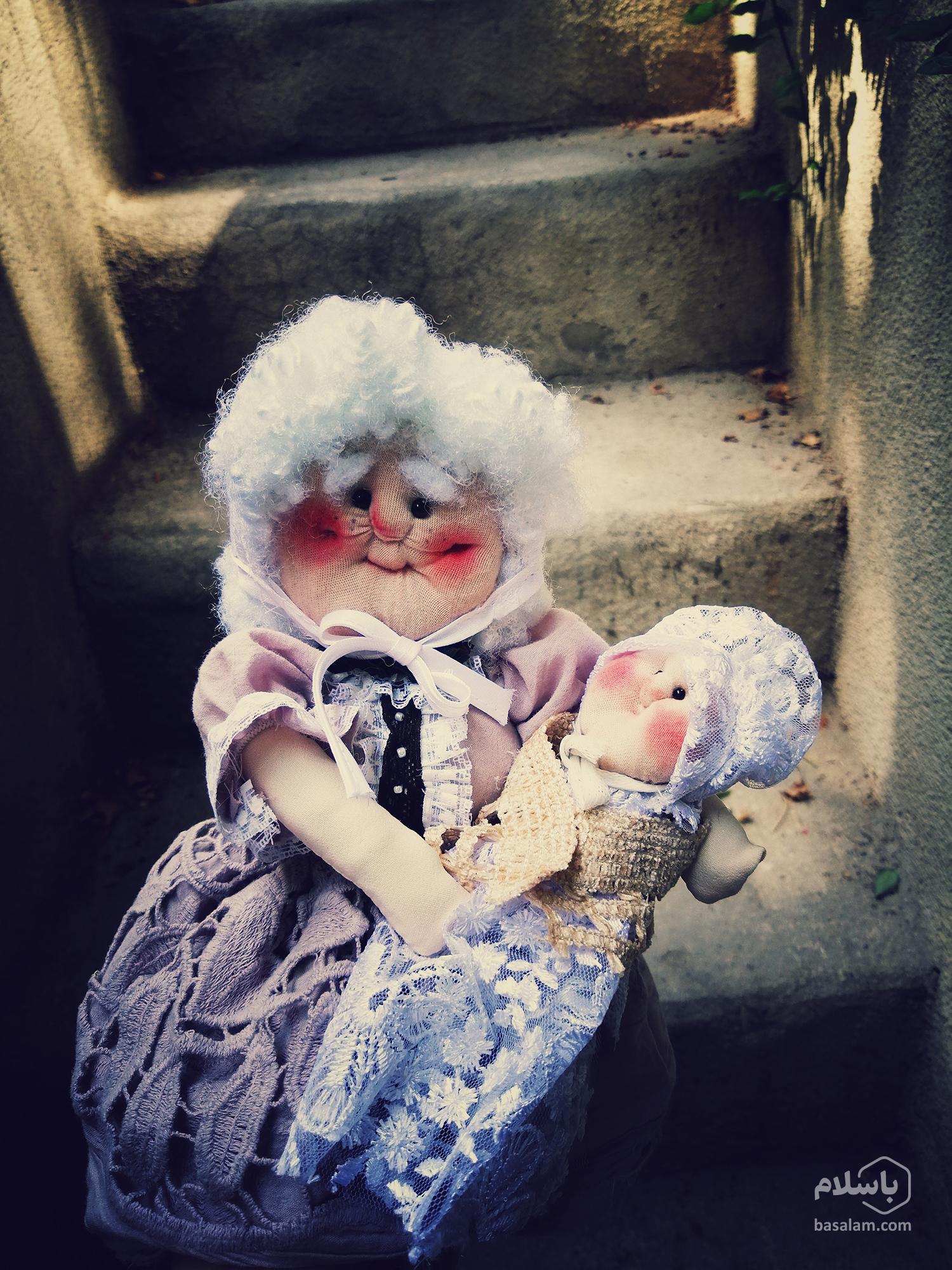 عروسک پیرزن محلی