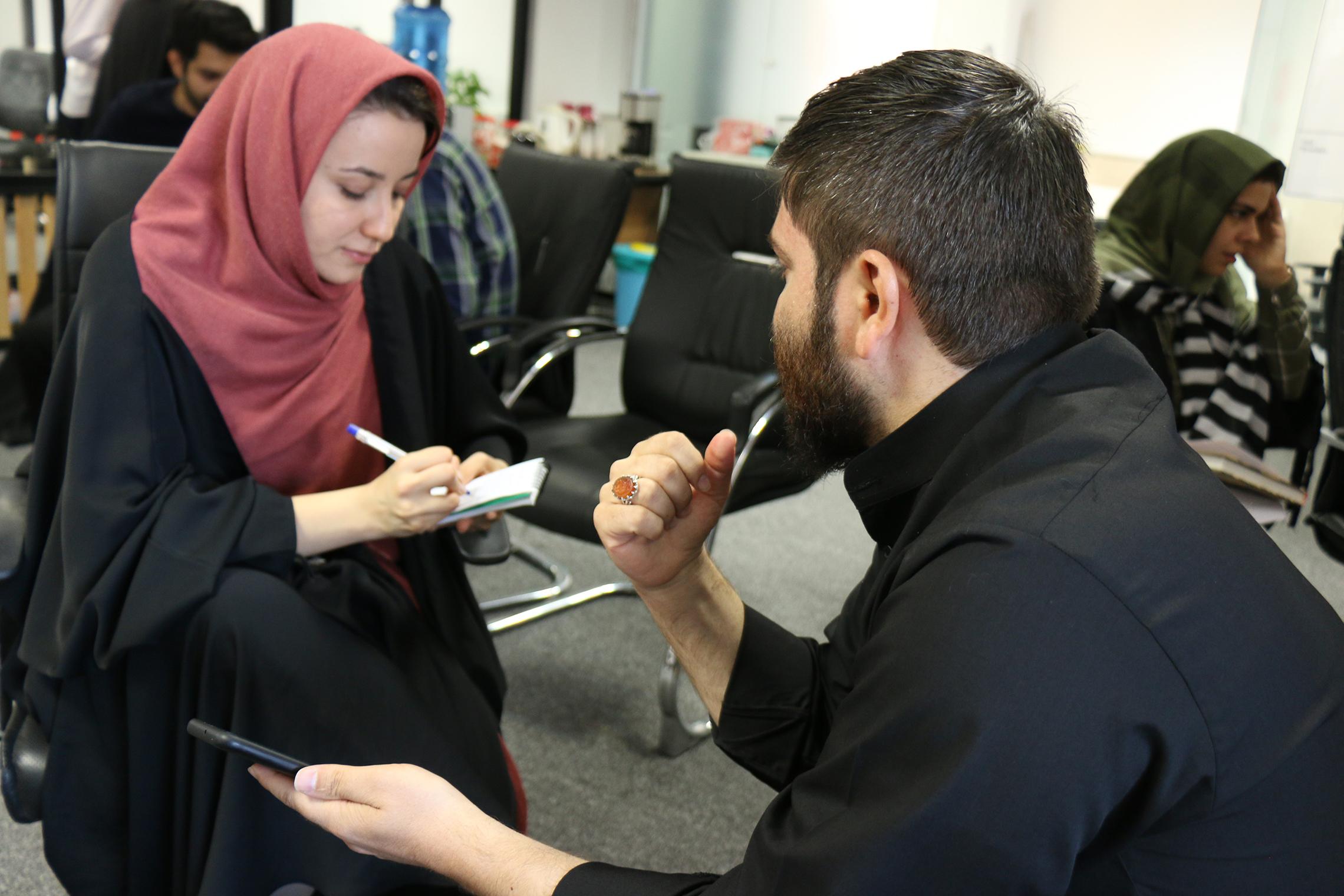 تست ثابلیت انتشار محتوا در دفتر باسلام با حضور غرفه داران