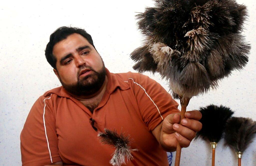 پرگردگیر شترمرغ آقای لطیفی- پرورش شتر مرغ- مجله باسلام