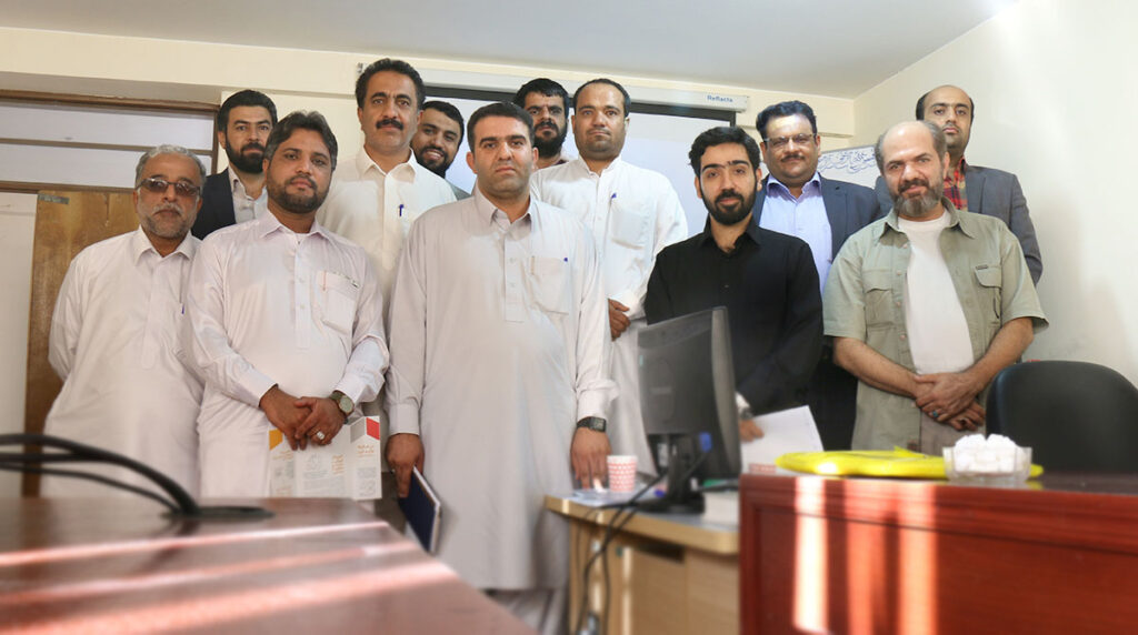 جلسه با تسهیلگرها- سفر به سیستان و بلوچستان- مجله باسلام