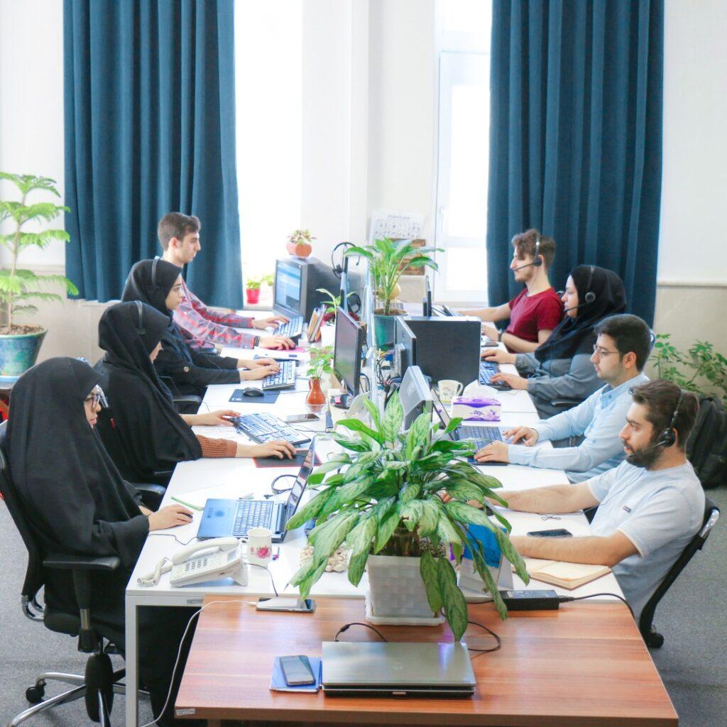 همکاران اتاق رضایت- تیم پشتیبانی باسلام- مجله باسلام