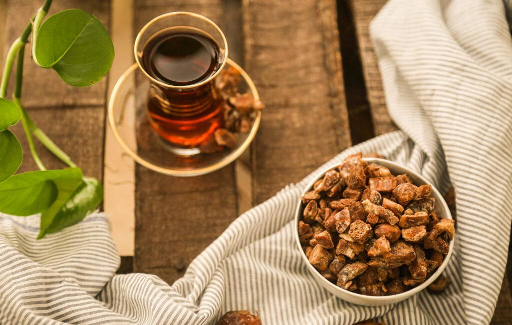 حبههای خشک شده خرما-چیپس خرما-مجله باسلام